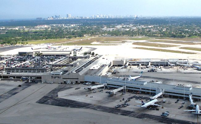 Arial photo of Fort Lauderdale Hollywood International Airport.